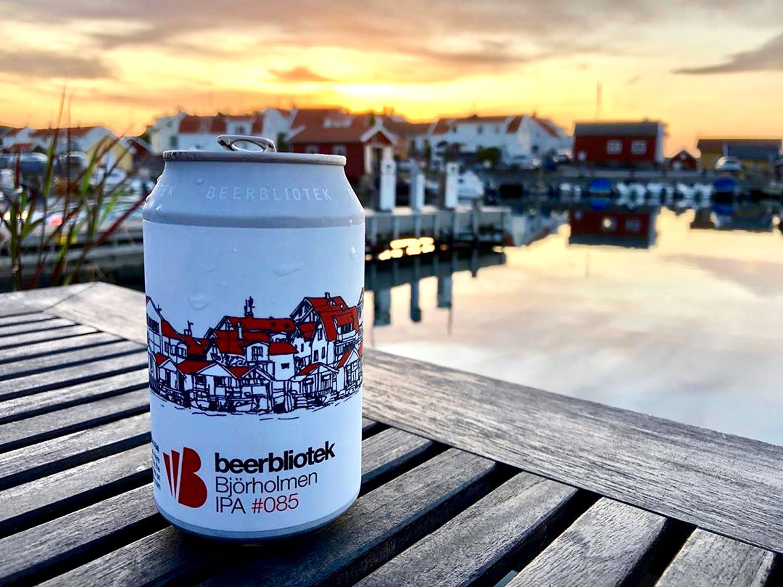Darryl-de-Necker-Beerbliotek-Bjorholmen-Marina-Photo