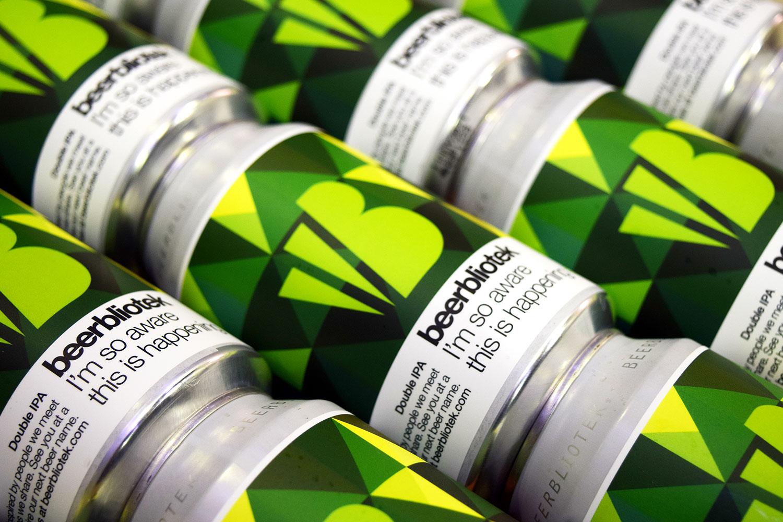 Darryl-de-Necker-Beerbliotek-Im-so-aware-this-is-happening-Can-Pattern